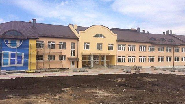 У вересні на Львівщині учнів приймуть 6 нових шкіл