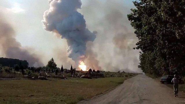 Жителі Донецька повідомили про пожежу в районі хімзаводу в окупованому місті