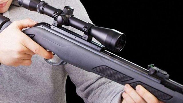 На Черкащині 11-річний хлопчик загинув від випадкового пострілу з рушниці