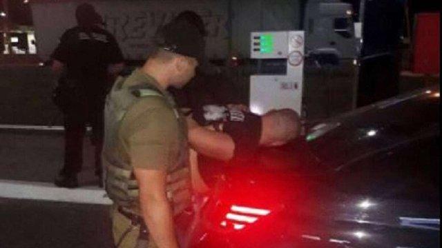 Поліцейські розповіли подробиці затримання викрадачів автомобіля заступника голови Нацполіції