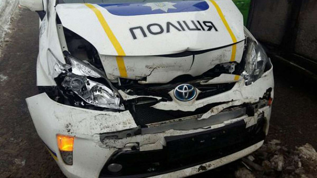 На Херсонщині автомобіль патрульної поліції з Дніпра потрапив в ДТП із «швидкою»