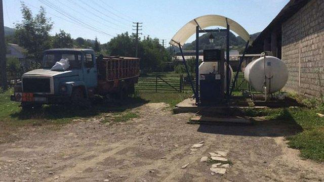 У віддалених селах Закарпаття поліція виявила нелегальні газові заправки
