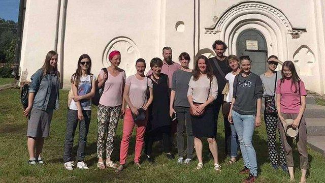 Російський культурний центр у Києві знову вивіз до РФ групу української молоді
