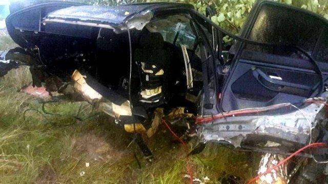 На Закарпатті жінка-водій вижила в ДТП, під час якої машину розірвало навпіл