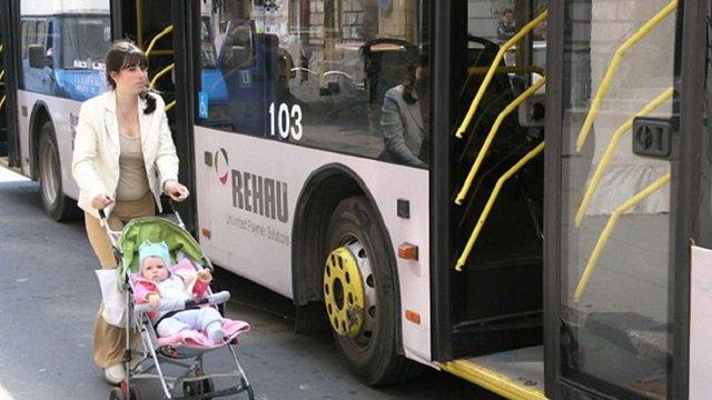 У Львові перенесли тролейбусну зупинку на вулиці Шота Руставелі