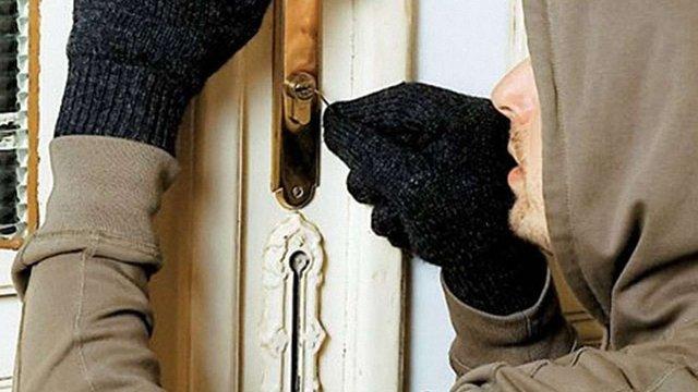 У Коломиї спіймали злодіїв, які протягом двох років обкрадали будинки