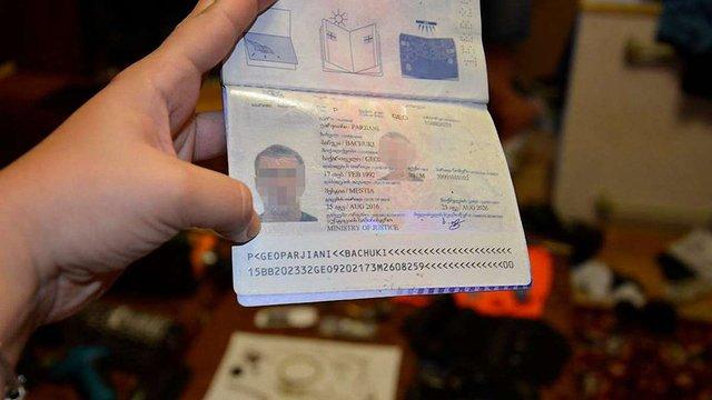 У Миколаєві поліція затримала групу грузинів, які за місяць обікрали більше 20 квартир