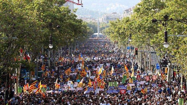 У Барселоні 500 тис. громадян вийшли на антитерористичний марш