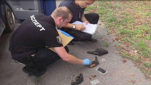 В Києві троє чоловіків на автомобілі викрали людину