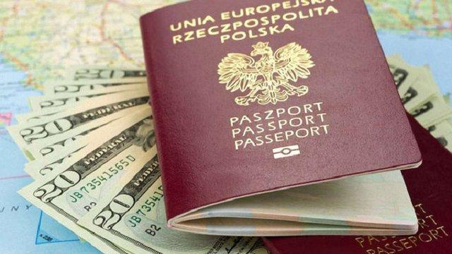 У Польщі засудили злочинців, які продавали польські посвідчення особи в Україну