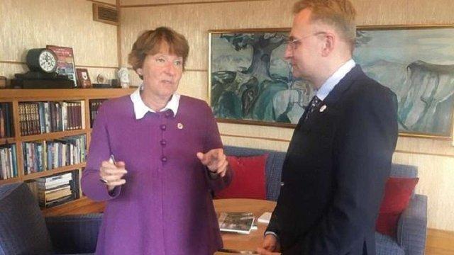 Садовий поїхав у Норвегію для налагодження співпраці між Львовом та Осло