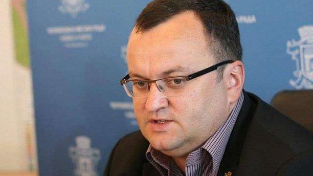 Мер Чернівців заборонив чиновникам виступати на шкільних лінійках 1 вересня