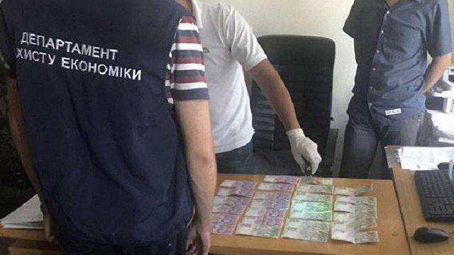 У Львові викрили схему отримання хабарів під час оформлення біометричних паспортів