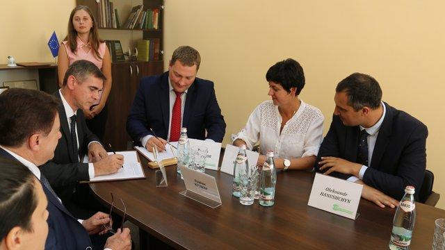 На Львівщині у 2018 році планують відремонтувати три дороги за €2,75 млн