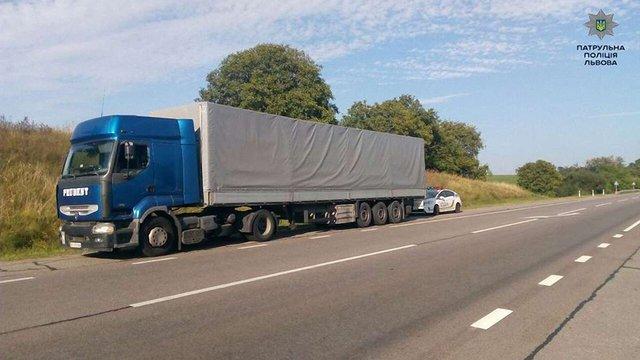 На Львівщині патрульні затримали п'яного водія вантажівки