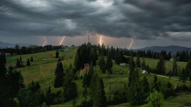 Укргідрометцентр оголосив штормове попередження у Західній Україні