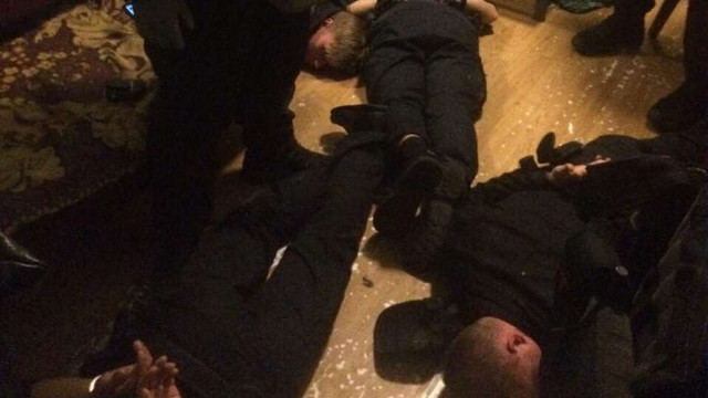 На київському вокзалі затримали п'ятьох поліцейських, які грабували пасажирів