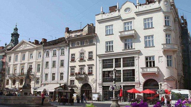 Колишній універмаг на площі Ринок у Львові продадуть за ₴63 млн