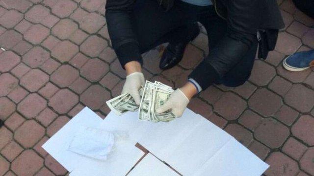 У Хмельницькому затримали громадських активістів, які вимагали гроші в забудовників