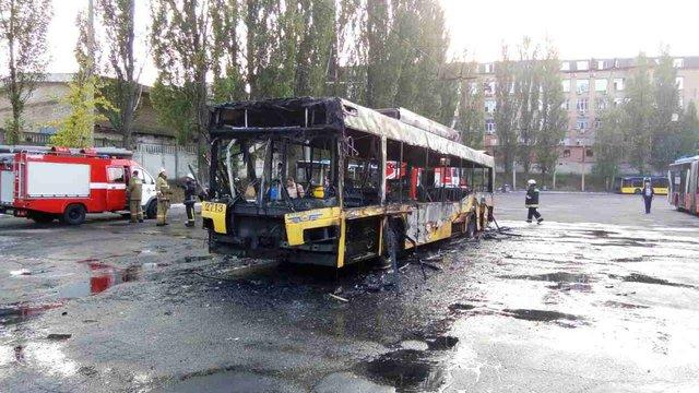 У київському депо вщент згорів тролейбус