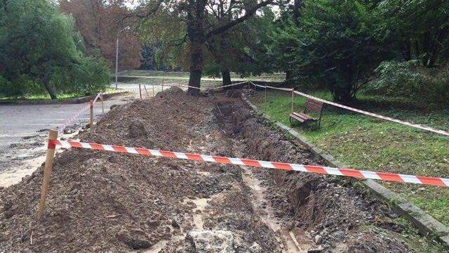У Парку культури проводять ексгумацію останків німецьких солдатів часів Другої світової війни