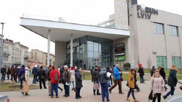 13-річний підліток повідомив про замінування ТРЦ у центрі Львова, бо його не пустили у кінотеатр