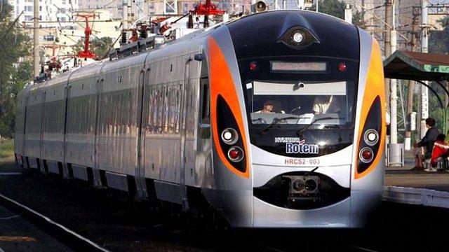 «Укрзалізниця» перепросила у пасажирів потяга «Перемишль-Київ» і пообіцяла компенсацію