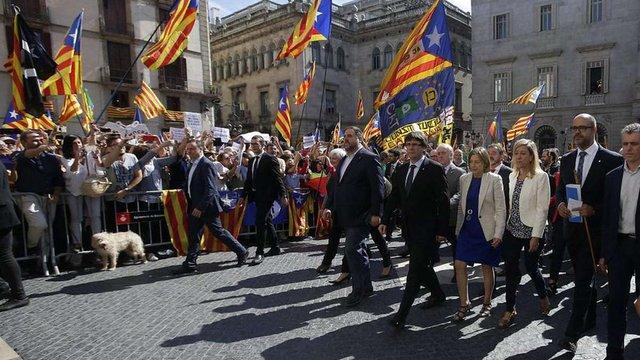 Мери каталонських міст вийшли на підтримку референдуму про незалежність