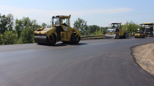 На Львівщині зупинили ремонт дороги Східниця-Пісочна