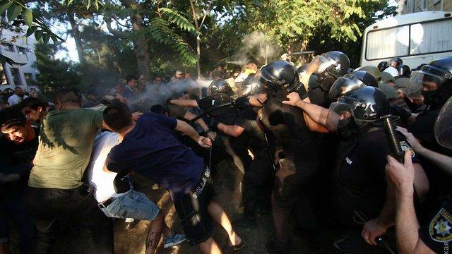 Поліція порушила кримінальну справу через бійку під судом у Чорноморську