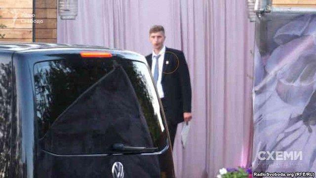 Службові авто Генпрокуратури обслуговували весілля сина Луценка, - розслідування