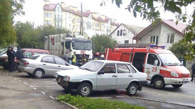 Завантажений сміттєвоз на смерть переїхав двох жінок у Львові
