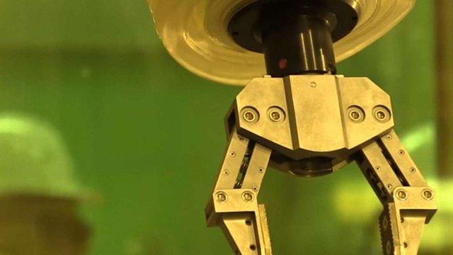 Інженери створили роботів, які сортуватимуть радіоактивні відходи на ЧАЕС