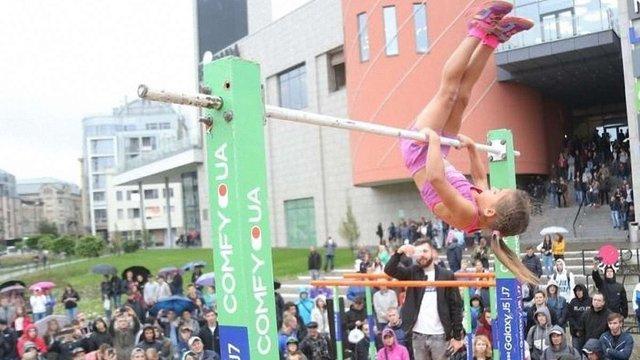 7-річна дівчинка встановила у Львові світовий воркаут-рекорд