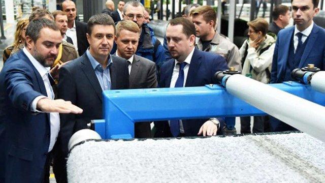 В Україні відкрили перший завод з виробництва штучного покриття для футбольних полів