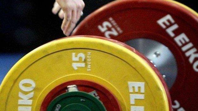Українських важкоатлетів на рік відсторонили від участі у міжнародних змаганнях