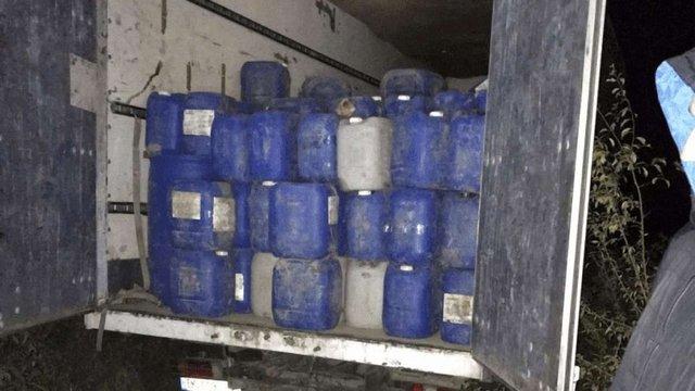 На Вінниччині прикордонники виявили 13,5 тонн контрабандного спирту