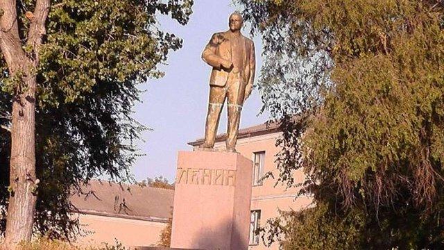 В Одеській області за бюджетні гроші відремонтували пам'ятники Леніну і Калініну