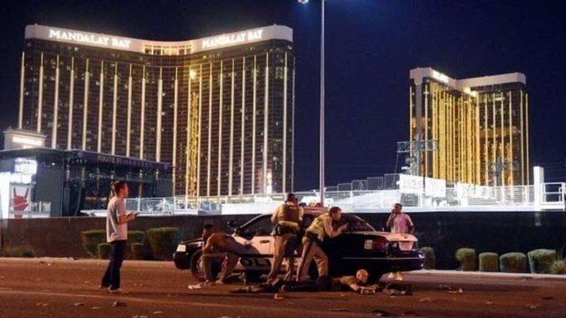 У Лас-Вегасі під час концерту злочинець застрелив понад 20 людей
