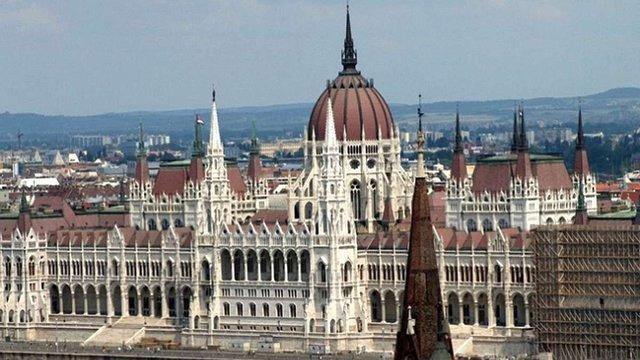 Угорські депутати відмовились обговорювати закон про освіту з делегацією ВРУ