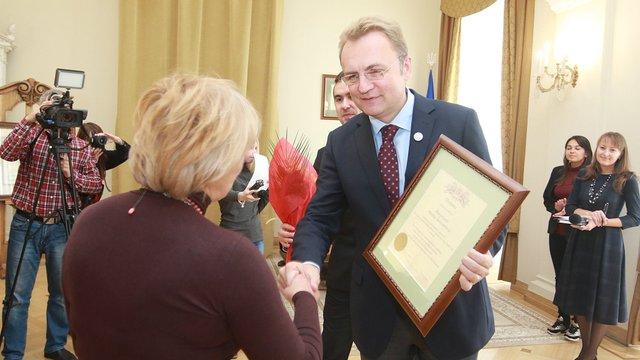 Усі львівські бібліотекарі отримали премії по 2700-3600 грн з міського бюджету