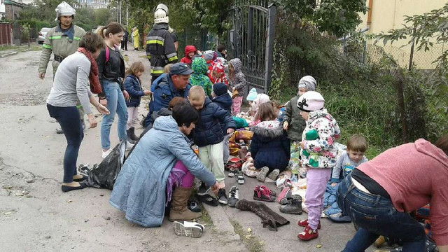 40 дітей евакуювали через пожежу з приватного дитсадка у Львові