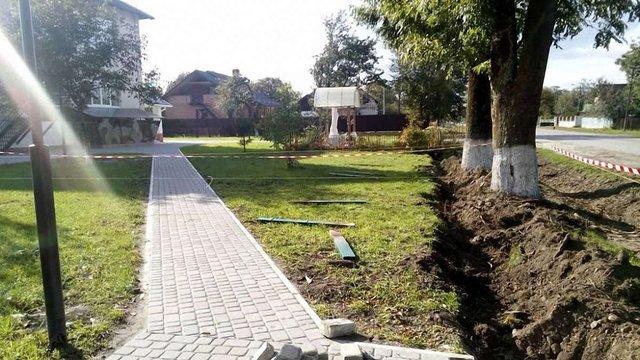 Біля навчально-виховного комплексу на Львівщині знайшли артилерійський снаряд