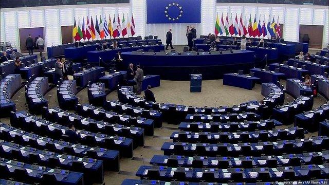 У Європарламенті однаково засудили і референдум в Каталонії, і дії іспанської поліції