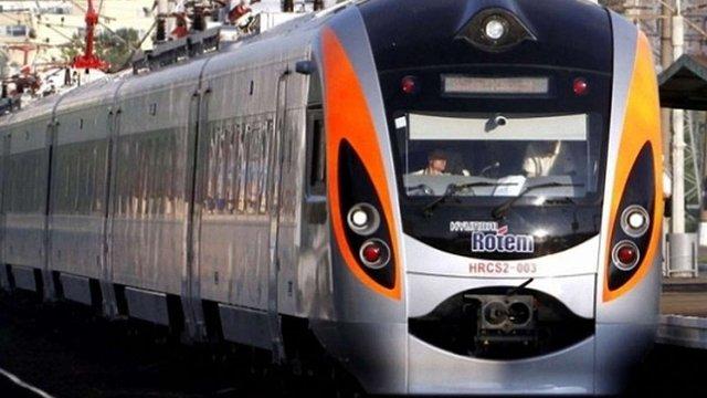 Поліція висадила 30 пасажирів поїзда «Перемишль-Київ» через порушення громадського порядку