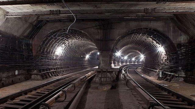 «Укрзалізниця» планує до березня 2018 року прокласти колії в Бескидському тунелі