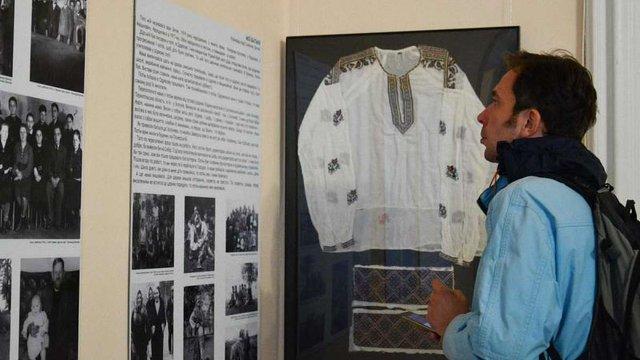У Львові триває виставка про вимушених переселенців