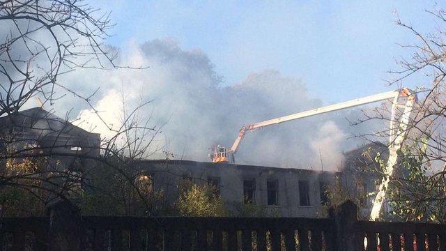 На Погулянці сталася пожежа у закинутій будівлі колишнього винзаводу