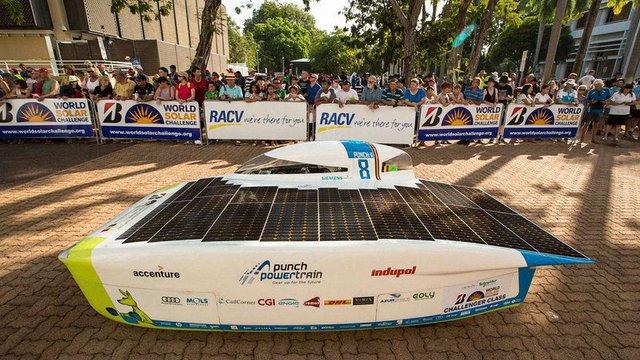 В Австралії влаштували перегони електромобілів на сонячній енергії