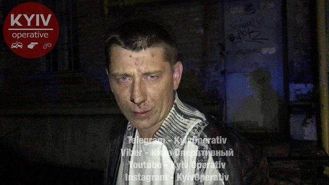 У Києві п'яний таксист намагався з'їсти ключі від авто на очах у поліції